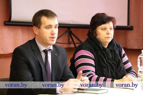 Первую в наступившем году встречу с населением провел в Погородно заместитель главы района Андрей Карпович