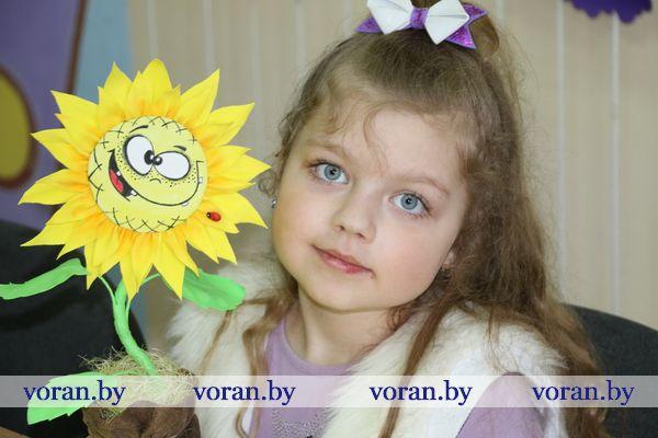 Фоамиран, фантазия, цветы. В Вороновском ЦТДиМ готовятся к 8 Марта