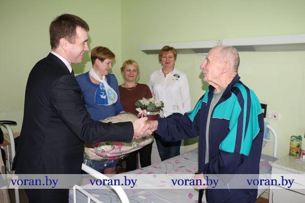 Примите наши поздравления! Сегодня день рождения отмечает ветеран и участник Второй мировой и Великой Отечественной войн Иван Адамович Носаль