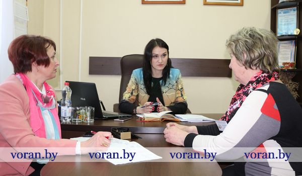 В Территориальном центре социального обслуживания населения Вороновского района 25 апреля состоялся профсоюзный прием граждан и одновременно прямая линия