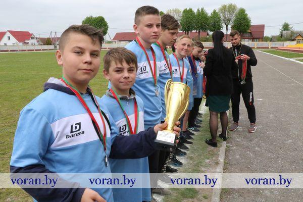 Школьники Вороновщины соперничали в районном первенстве по футболу