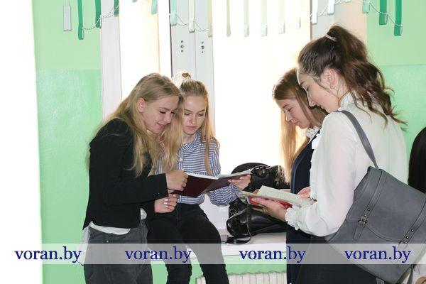 Держим кулаки! Сегодня в школах Вороновщины начались экзамены