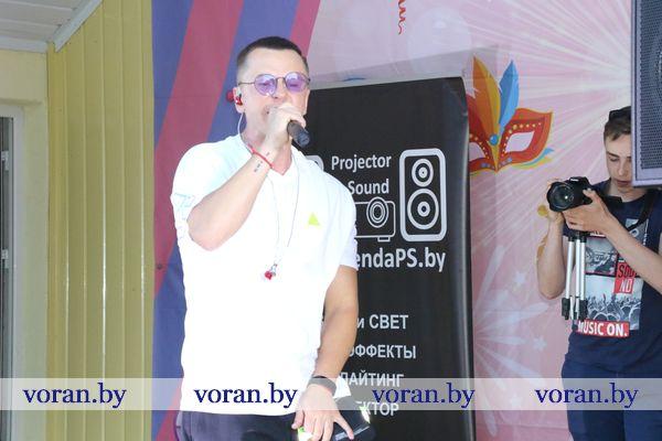 Первый летний день завершился красивым аккордом: в Вороново выступал Сергей Соболь (Фото, Видео)