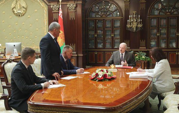 Тема недели: Лукашенко о проведении выборов, развитии села, дисциплине и порядке в милиции и здравоохранении