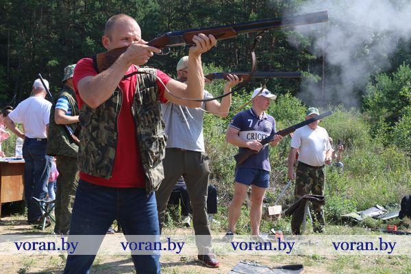 Стрелки девяти первичных охотколлективов Вороновского района сразились в меткости