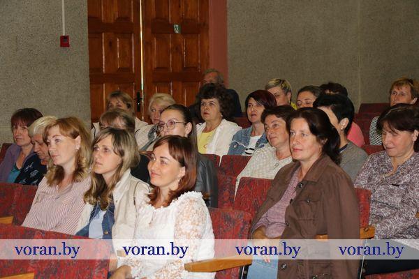 В агрогородке Жирмуны 17 июля председатель Вороновского райисполкома Николай Розум провел встречу с населением