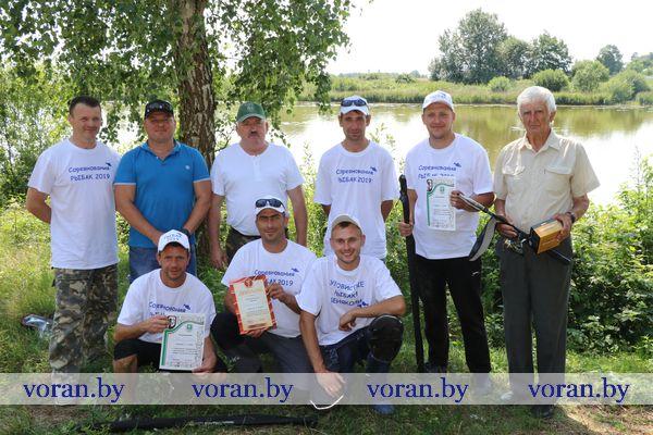 «УЛОВистые рыбаки» из Вороновского района победили в межрайонных соревнованиях по лову рыбы летней поплавочной удочкой (Фото)