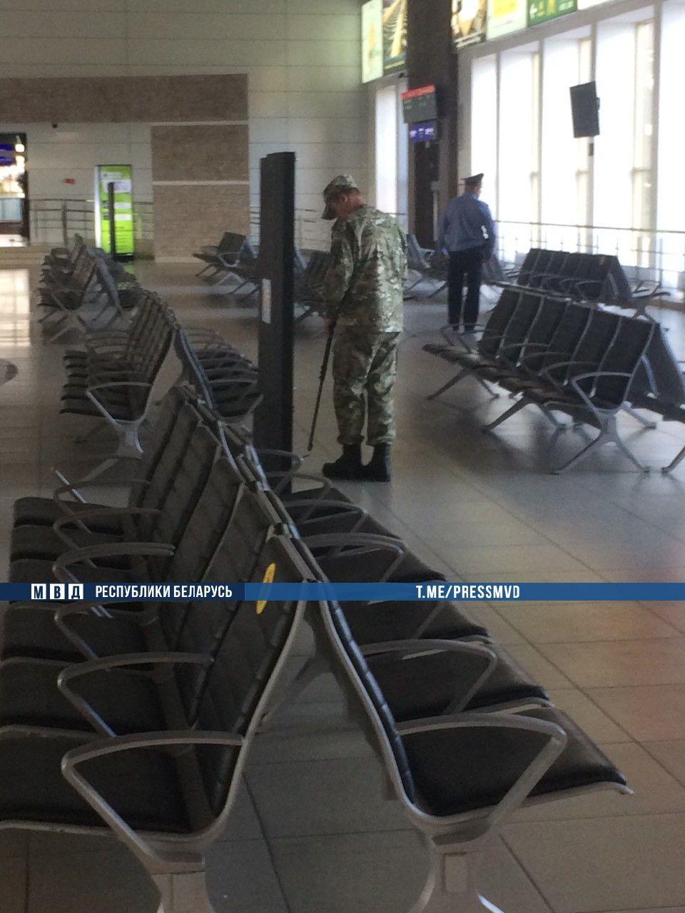 Мероприятия по ранее поступившему сообщению о взрывных устройствах («минирование» ж/д вокзала и авиарейсов) окончены.
