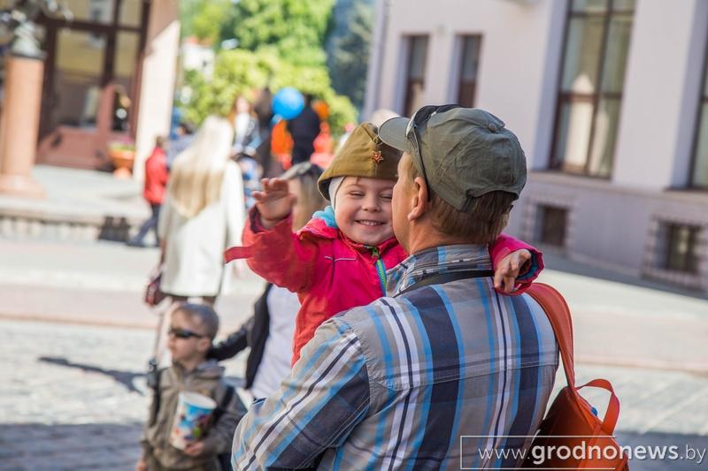 Добра и процветания! Известные белорусы поздравляют Гродненскую область с 75-летием