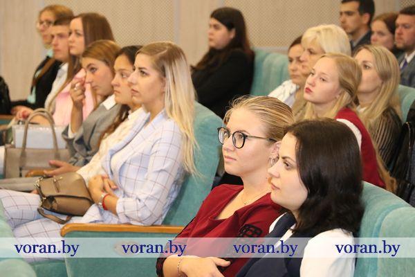 Более восьмидесяти молодых специалистов в текущем году начали свой профессиональный путь на Вороновщине