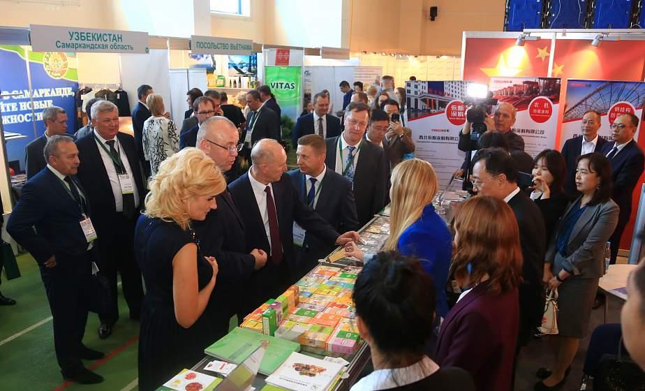 Более 160 экспонентов, 31 страна и все лучшее, что может предложить Гродненщина мировому рынку: выставка-ярмарка «Еврорегион «Неман» торжественно открылась в Гродно