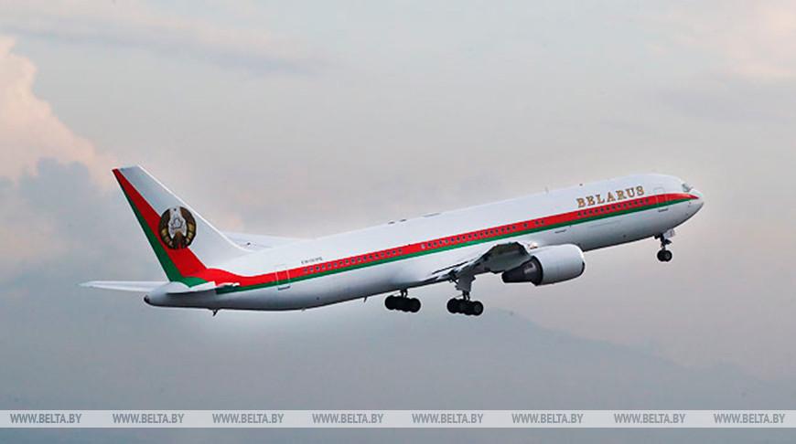 Александр Лукашенко направился с рабочим визитом в Туркменистан