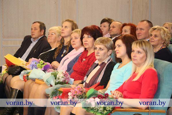 Мать воспеть бессильно слово! В День матери в Вороново прошел праздничный концерт (Фото)