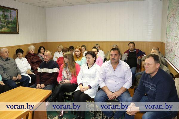 Районная информационно-пропагандистская группа встретилась с коллективом Вороновской райветстанции
