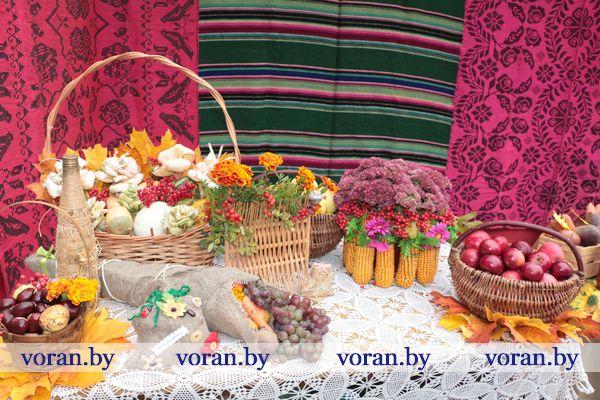 На румяной позолоте осени щедроты. В Больтиниках сегодня прошел праздник урожая (Фото)