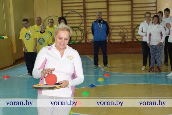Спорт для всех. К Международному дню инвалидов в Вороново прошла районная спортландия