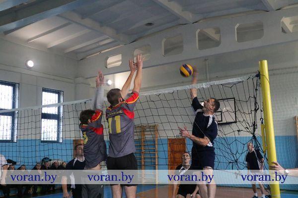 Волейбольным турниром сотрудники Вороновского отдела Департамента охраны МВД почтили память безвременно ушедших из жизни товарищей