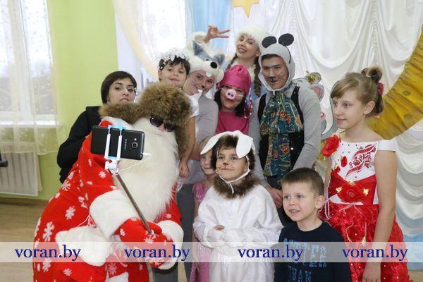 Пенный снег, пузыри желаний, Дед-тусовщик… Чем еще удивляли взрослые ребят из Радунского СПЦ?