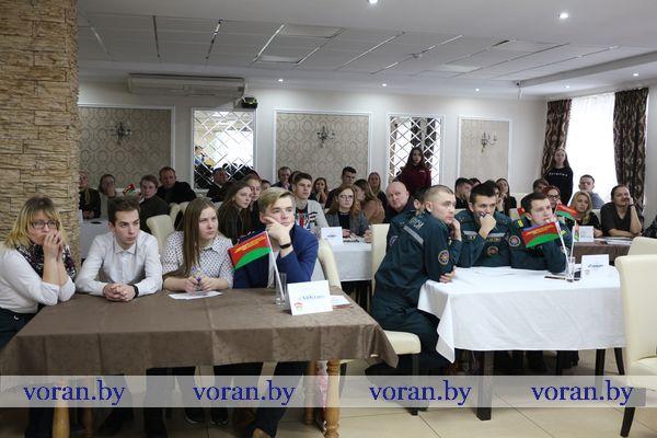 Третий год учащаяся и работающая молодежь Вороновщины играет в Intellectuale Quiz