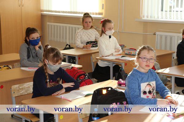 Более 60% школьников Вороновского района вернулись за парты