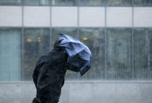 Оранжевый уровень опасности объявлен в Беларуси 3 апреля из-за сильного ветра