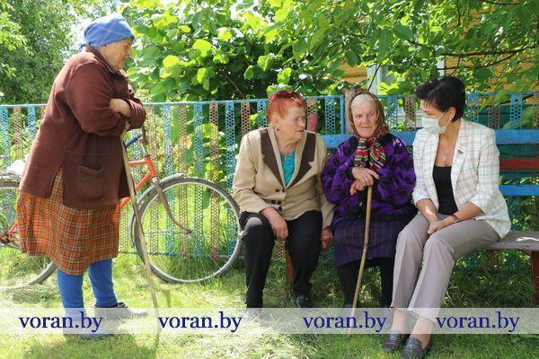 Сельские жители рассказали председателю Вороновского районного Совета депутатов , что их волнует