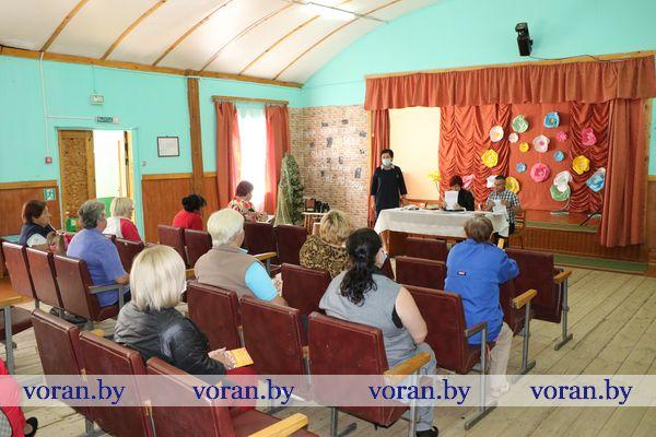 Электроснабжение домов стало главной темой  встречи с населением, проходившей в аг. Полецкишки