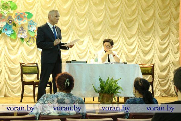 Сенатор Игорь Гедич провел встречу с жителями агрогородка Конвелишки