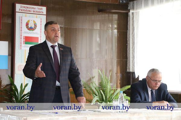Депутат Палаты представителей Национального собрания Республики Беларусь Александр Маркевич продолжает работу в округе