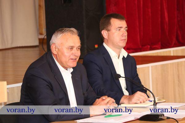 Экономика, избирательная кампания, социальные гарантии. Председатель Вороновского райисполкома встретился с педагогами Вороновской и Радунской школ