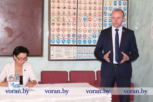 Сегодня в своем избирательном округе работал депутат Палаты представителей Национального собрания Республики Беларусь Павел Михалюк