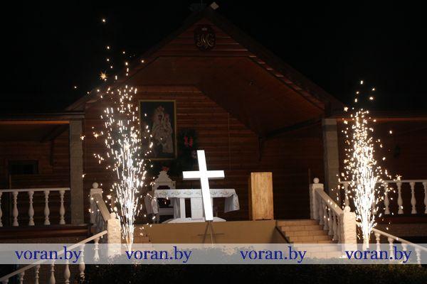 Малітва да Маці Божай аб'яднала вернікаў у Тракелях (фота, будзе дапоўнена)