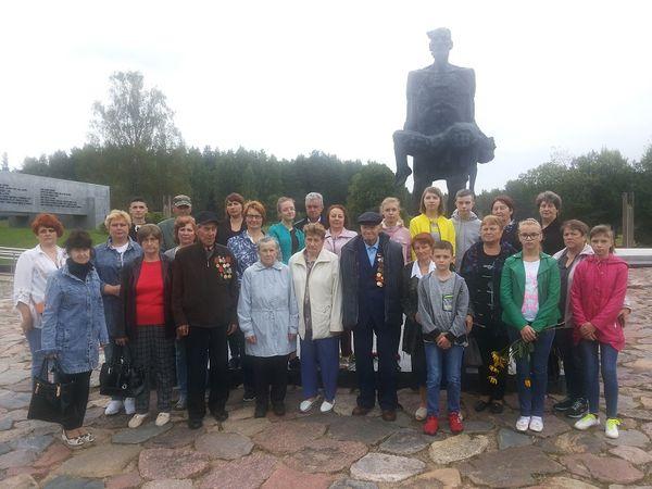 Вороновчане отправились на экскурсию по памятным местам