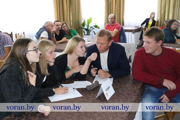 Восемнадцатый день рождения БРСМ юноши и девушки Вороновщины отметили интеллектуальной игрой