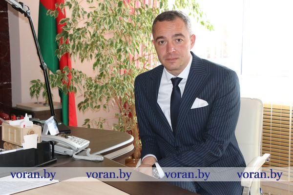 В Вороновском райисполкоме прямую телефонную линию провел заместитель председателя Гродненского облисполкома Виталий Невера