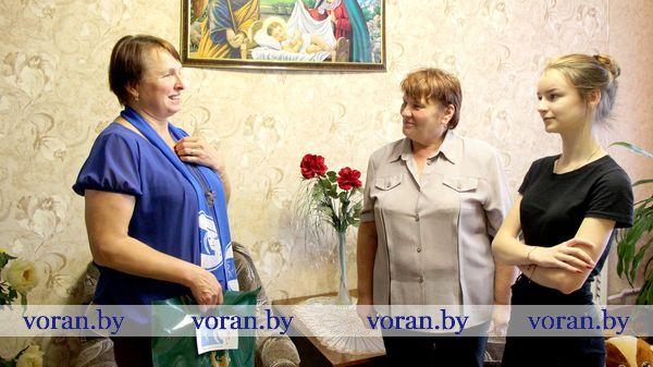 Вороновская организация Белорусского союза женщин помогла собрать детей в школу