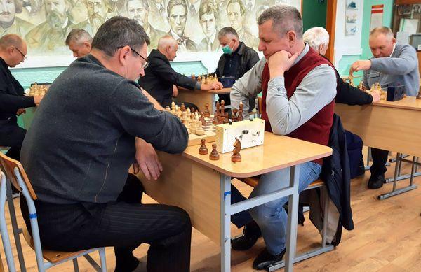 Юрист по образованию и стратег по сути Андрей Мукланович из г.п. Вороново стал призером открытого шахматного турнира