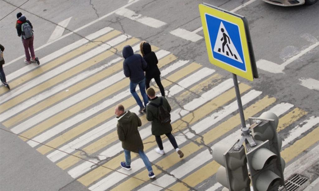 Пешеходный переход — место встречи вежливых людей!